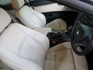 BMW320室内入庫時